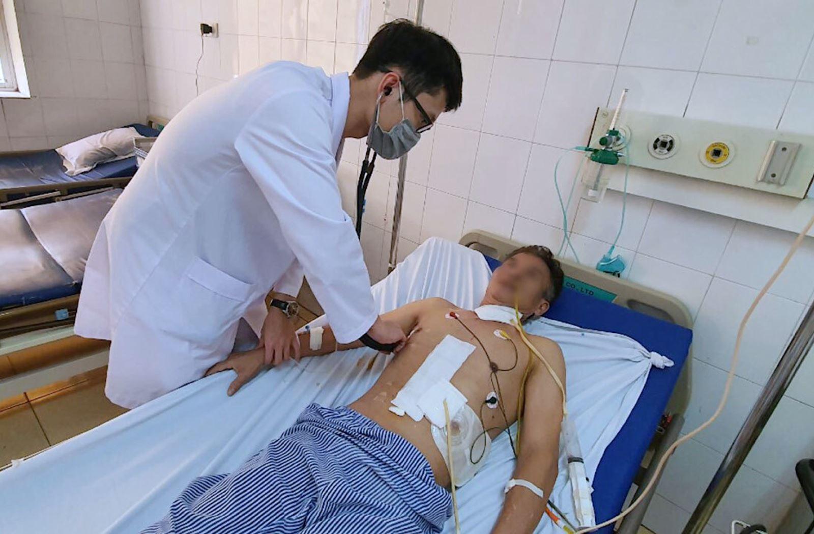 Khoa Ngoại tổng hợp Bệnh viện 19-8 cắt thực quản cho bệnh nhân ung thư bằng phương pháp nội soi
