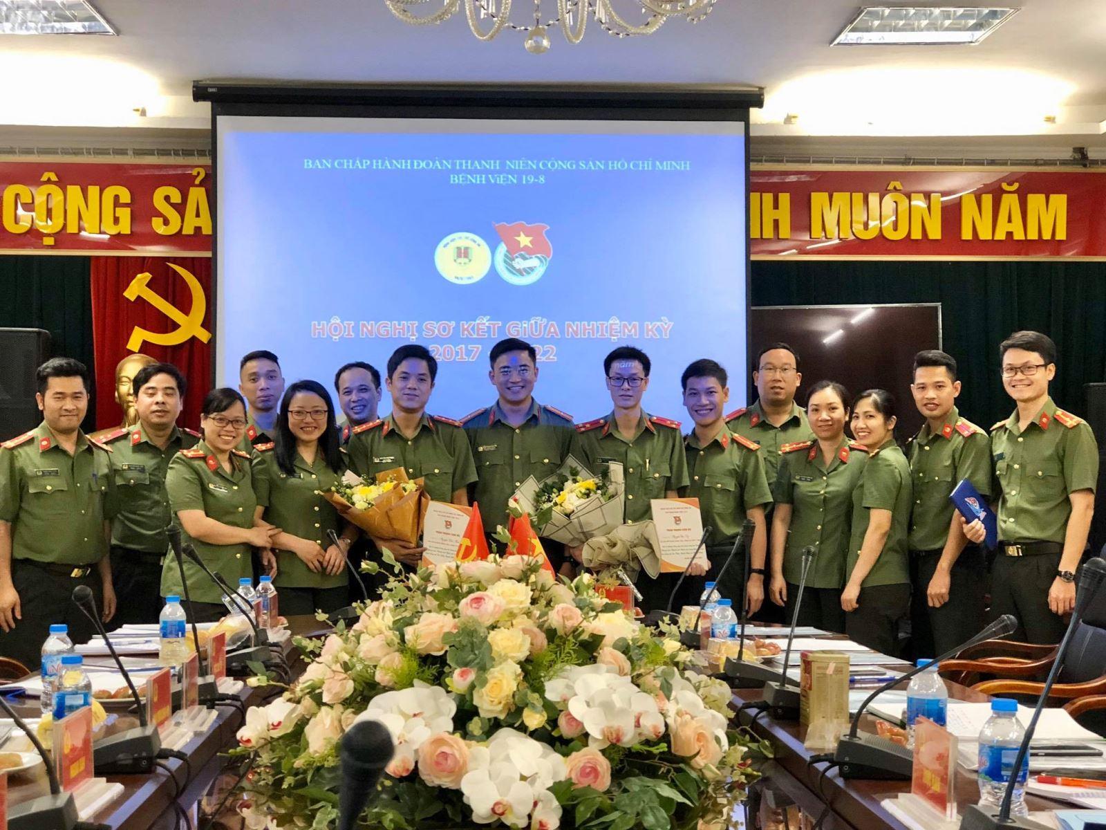 Đoàn thanh niên bệnh viện tổ chức thành công hội nghị giữa nhiệm kỳ